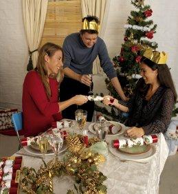Surprising History Of Christmas Crackers Olde English Crackers Christmas Easy Diy Christmas Decorations Tissureus